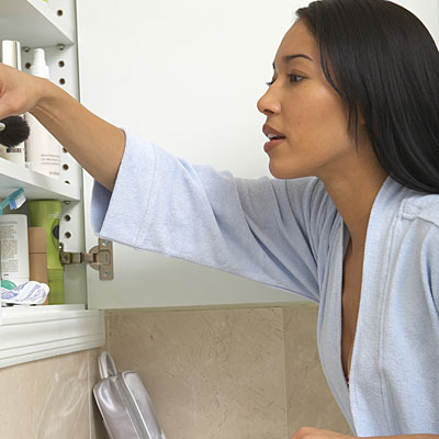 Skin Spring Cleaning: 6 Bad Ingredients in Your Medicine Cabinet