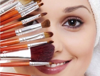 4 Festive Makeup Tips That Will Transform Your Look and Reduce Acne Breakouts